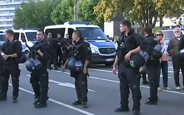 Police on guard as thousands of far-right demonstrators took part in a march in Chemnitz