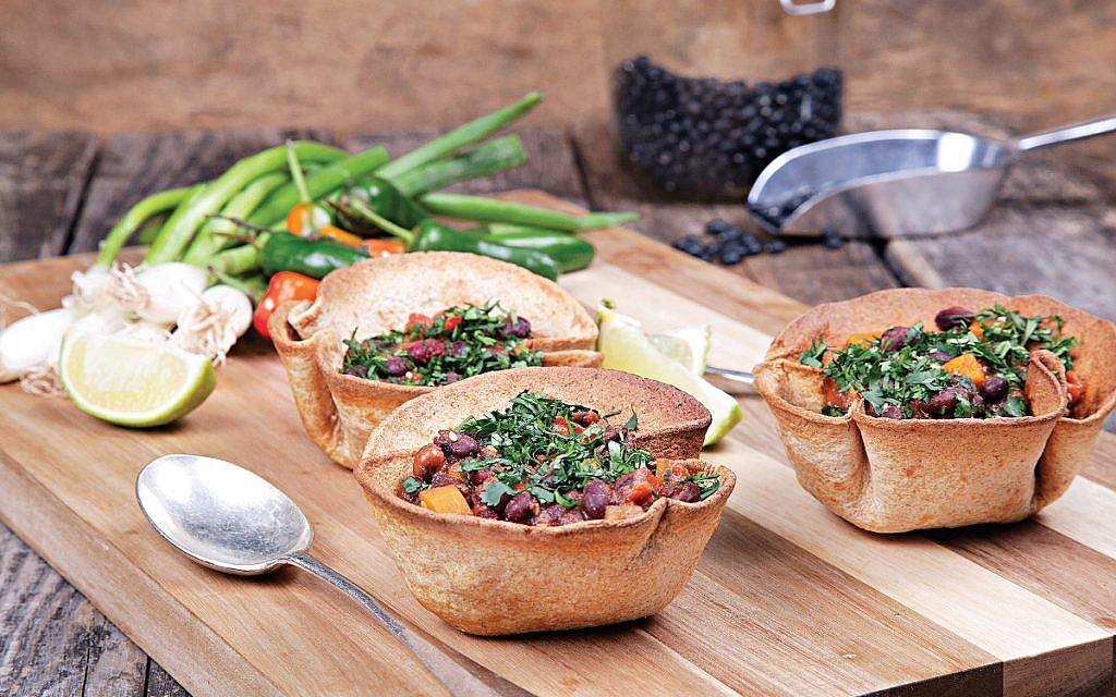 Black bean vegetable chilli baskets