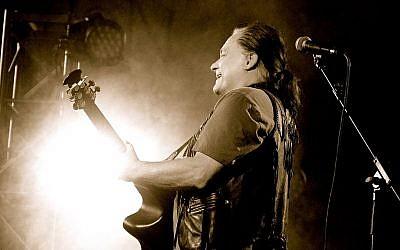 Marty Balin performing live.