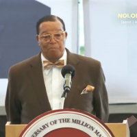 Louis Farrakhan giving a speech