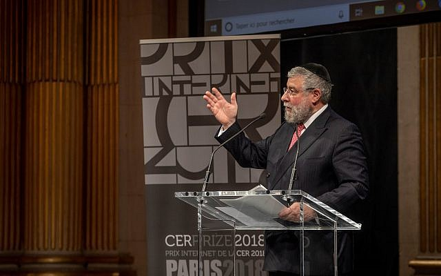 Rabbi Pinchas Goldschmidt speaking at a CER event. Credit: Eli Itkin.