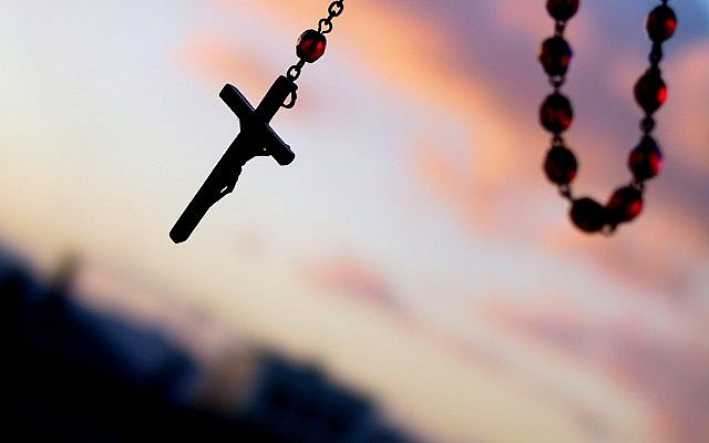 Catholic Rosary beads and a crucific. Source: Wikimedia Commons. Credit: Juni from Kyoto, Japan