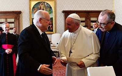 President Rivlin meeting the pop. Credit: President Rivlin on Twitter