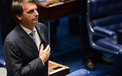 Jair Bolsonaro (CreditL Wikimedia Commons - Antonio Cruz/Agência Brasil - http://agenciabrasil.ebc.com.br/politica/foto/2014-02/congresso-promulga-emenda-constitucional-77?id=79027)