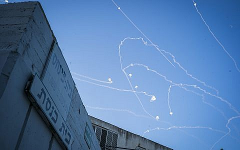 Rockets fired from the Gaza Strip are intercepted by the Israeli Iron Dome anti-missile system. Photo: Ilia Yefimovich/dpa
