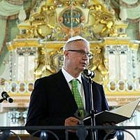 László Trócsányi, Minister of Justice, speaks at the commemoration of the Holocaust Memorial Day in the Synagogue of Mádi