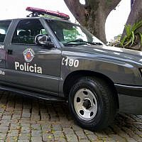 Brazillian police car. Source: Wikimedia Commons. Author: Fernando Cesar Nox;