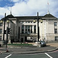 Wandsworth Town Hall. Source: WIkimedia Commons. Credit: Eugene Regis