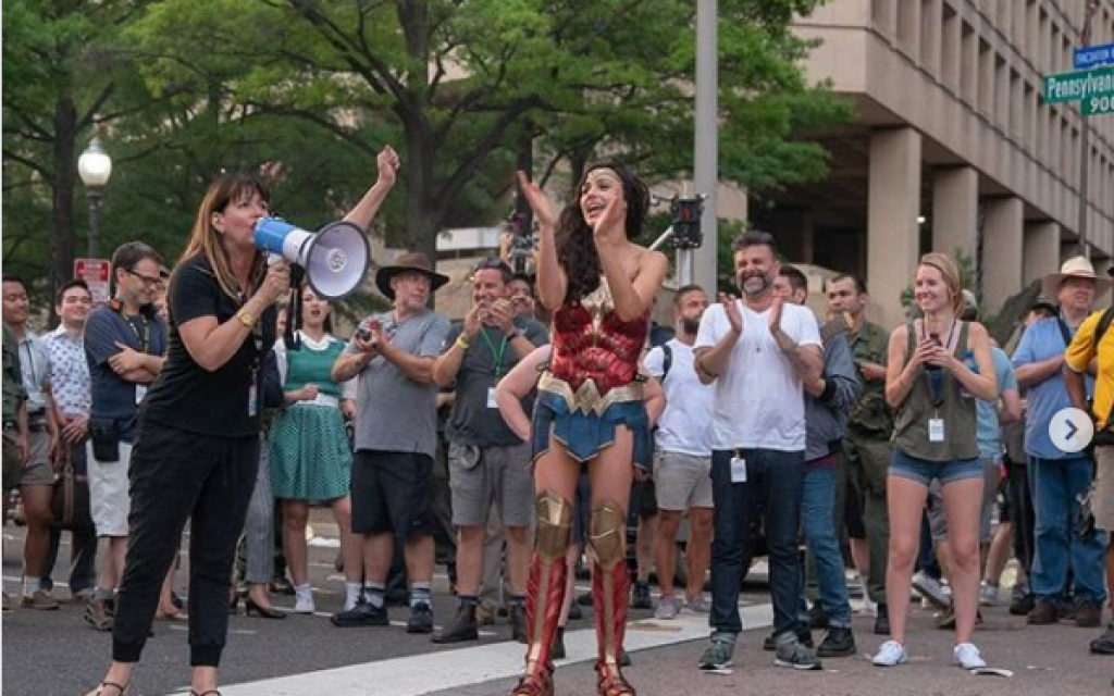 Gal Gadot posted this picture on Instagram thanking the crew (https://www.instagram.com/p/BrvQoyHlVN1)