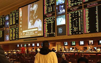 An odds boards at a race and sports book. Wikimedia Commons/Author: Baishampayan Ghose