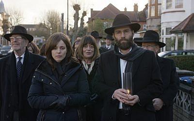Rachel McAdams as Esti with Alessandro Nivola as her husband, Dovid (Jewish News)