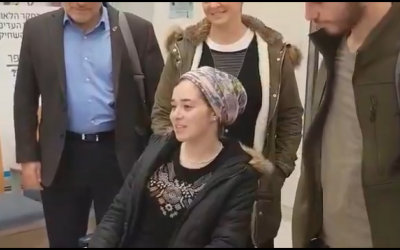 Shira Ish-Ran leaves hospital (Screenshot from Kan News' report)