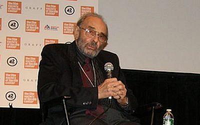 Stanley Donen. (Wikipedia/Adam Schartoff)
