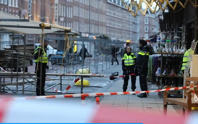 Screenshot from video on www.telegraaf.nl of the aftermath of the incident in Amsterdam
