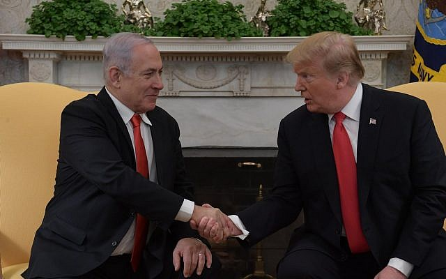 President Trump and Bibi Netanyahu after the signing of the proclamation recognising the Golan as being under Israeli sovereignty. (@IsraeliPM on Twitter)