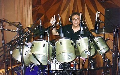 Hal_Blaine, (Wikimedia/Howard Thompson, CC-BY-SA)