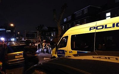 Police in Stamford Hill were forced to remove children from a truck which they said was dangerously overloaded