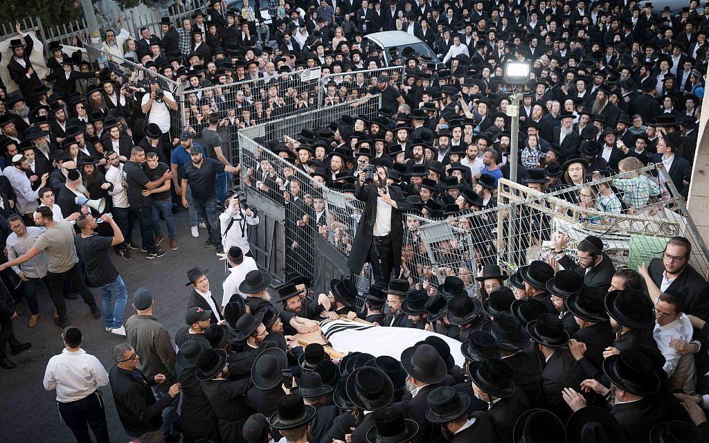 Ultra Orthodox followers of Rabbi Menachem Mendel Taub of the Kaliv (Hasidic dynasty) attend his funeral in Jerusalem, on April 28, 2019. Grand Rabbi Menachem Mendel Taub of the Kaliv (Hasidic dynasty), passed away at the age of 96. Photo by:JINIPIX
