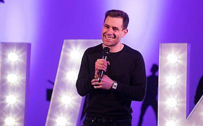 Simon Brodkin  Jokes for Jake at Elstree Studios.  (Credit: Blake Ezra Photography Ltd)