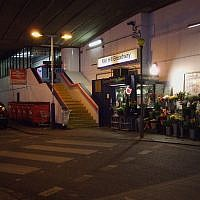 Mill Hill Broadway Thameslink (Wikipedia/Sunil060902)