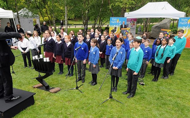 Mixed school choir led by  Stephen Melzack at The Dell in Hyde Park. Photo: John Rifkin