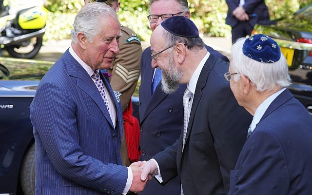 HRH The Prince of Wales meets Chief Rabbi Ephraim Mirvis as he arrives at the Belfast Hebrew Congregation.  Photo by Aaron McCracken