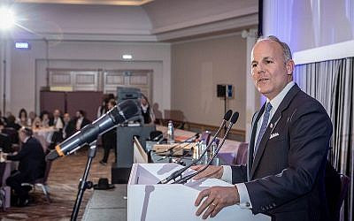 Speaking in Antwerp at the general convention for the Conference of European Rabbis (CER), Elan Carr warned of the triple antisemitism threat.