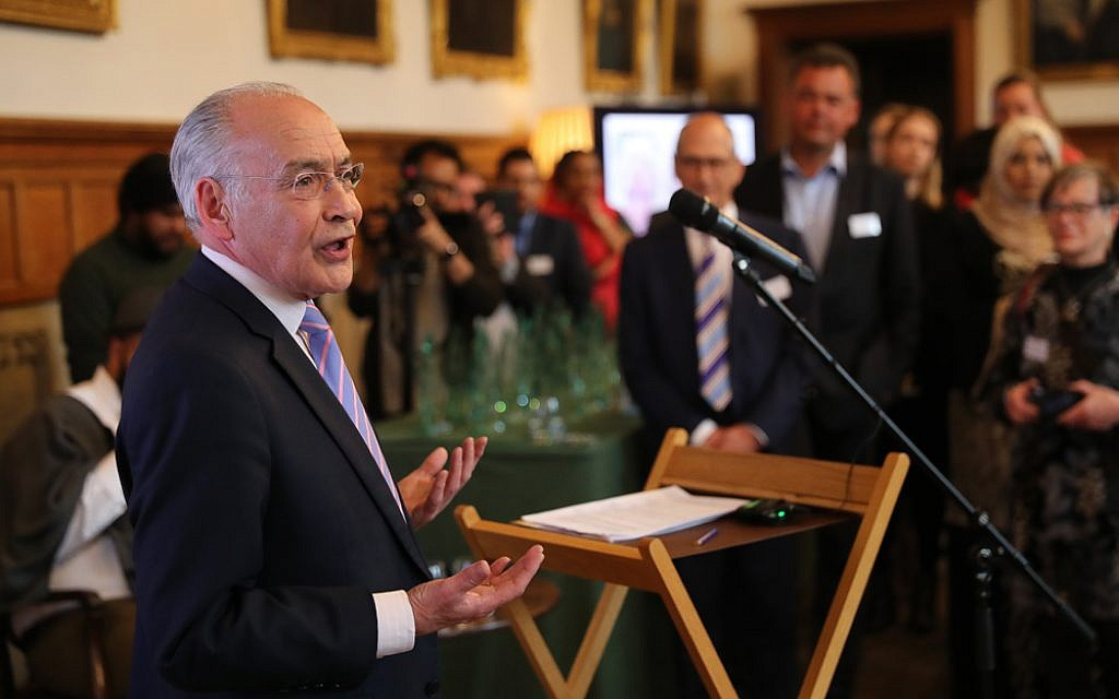 Alastair Stewart opening proceedings at the Interfaith reception (Marc Morris Photography)