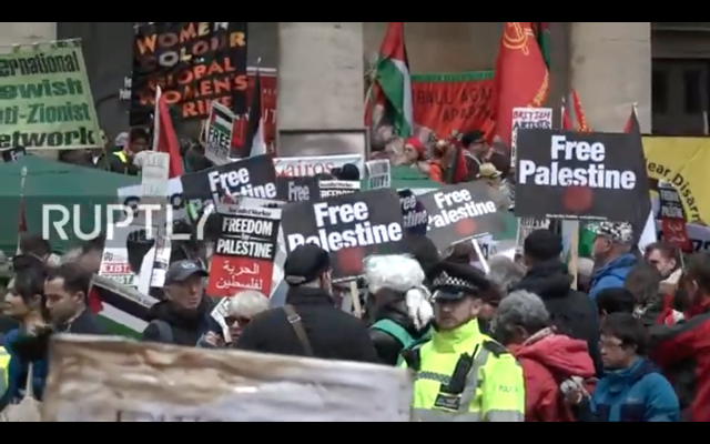 Anti-Israel rally in the centre of London  (Screenshot from Ruptly)