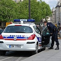Police car in Paris (Credit: Andre Bulber, Flickr)