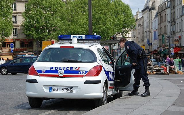 Police car in Paris (Credit: Andre Bulber, Flickr)