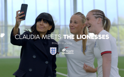 Claudia Winkleman takes a selfie as she meets the Lionesses!