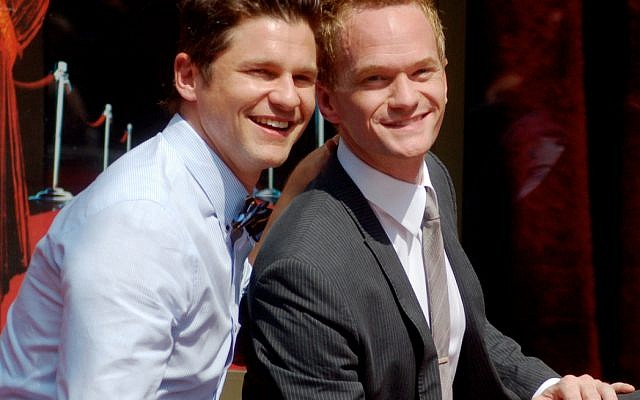 Neil Patrick Harris with his now-husband David Burtka at the Hollywood Walk of Fame on September 15, 2011 (Wikipedia/Angela George)