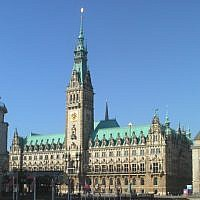 Hamburg city hall (Credit: Abubiju, Wikipedia)
