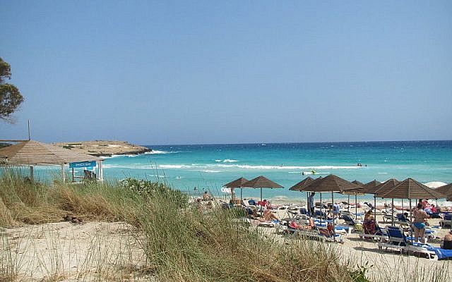 Ayia Napa beach (Wikipedia/Romeparis)