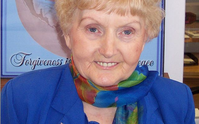 Eva Mozes Kor (Wikipedia/Oregon State University/ Photo courtesy of CANDLES Holocaust Museum and Education Center)