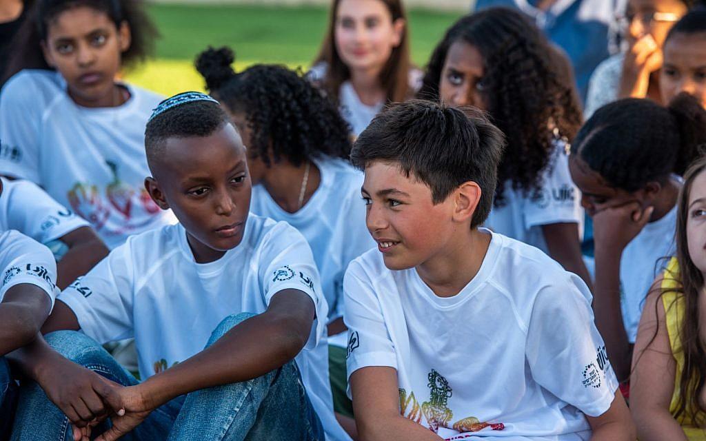 British and Ethiopian-Israeli participants together on the UJIA's Bar Bat Mitzvah Programme (EBBM)  (Photo credit: Neil Mercer)