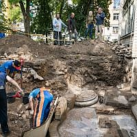 While excavating the premises of the Great Synagogue of Vilna in Vilnius Old Town, archaeologists have unveiled two out of four pillars that were surrounding the pulpit  (Credit: Vilnius City Municipality.)