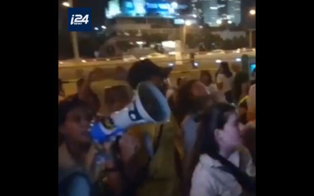 Filipinos and migrant workers demonstrate against deportations in Israel. (i24 News on Twitter)
