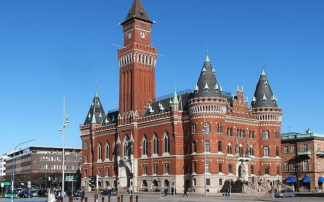 Helsingborg town hall (Wikipedia/ Author: Plenz)