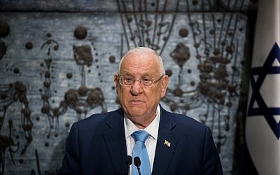 Israeli President Reuven Rivlin (R) hands a letter of appointment for entrusted with forming the next government to Israeli Prime Minister and Chairman of the Likud Party Benjamin Netanyahu (L) at the President's residence in Jerusalem, Israel, 25 September 2019. Media reports state, that negotiations between the Likud party headed by Benjamin Netanyahu that won 32 seats and the Blue and White party of Benny Gantz that won 33 seats for forming unity government did not. Photo by: JINIPIX