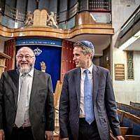 Gavin Williamson and the Chief Rabbi (Credit:  Eli Itkin)