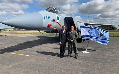 Israeli envoy Mark Regev with Brigadier General Ein Dar, Israeli Air Force Head of Training and Doctrine.