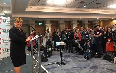 Emily Thornberry addressing the Labour Friends of Palestine and the Middle East meeting (@lfpme on Twitter)