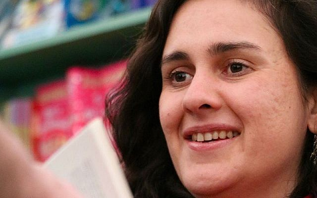 Kamila Shamsie at Hay Festival 2016 (Wikipedia/Andrew Lih)