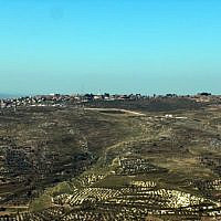 Yitzhar settlement (Wikipedia - Author: 	מיכאלי. Picture taken by Michael Jacobson)