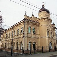 An example of a Synagogue in Siberia. This is the Tomsk Choral shul, the oldest one in the region  (Тара-Амингу at Russian Wikipedia)