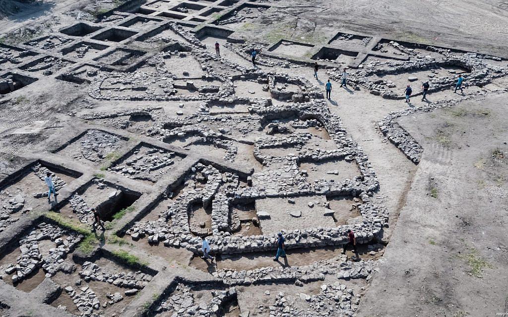 Aerial photographs of the excavation site. Photos: Assaf Peretz, Israel Antiquities Authority