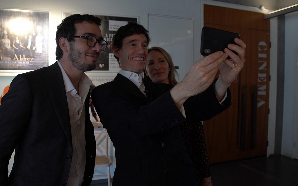 Rory Stewart poses for a selfie with the JLC's Adam Langleben and Claudia Mendoza