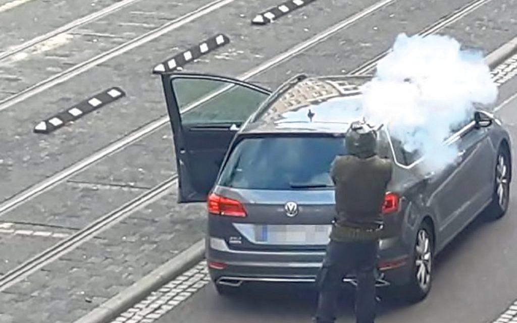 Gunman in Halle synagogue shooting admits antisemitic motive